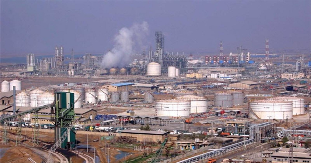 HOW DOES THE PETROCHEMICAL INDUSTRY BENEFIT THE ECONOMY?