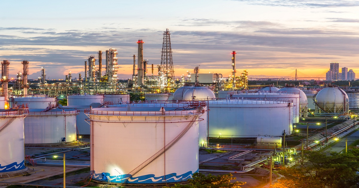 THE BUSINESS CASE FOR DIGITALIZATION IN THE ENERGY AND CHEMICALS SECTOR