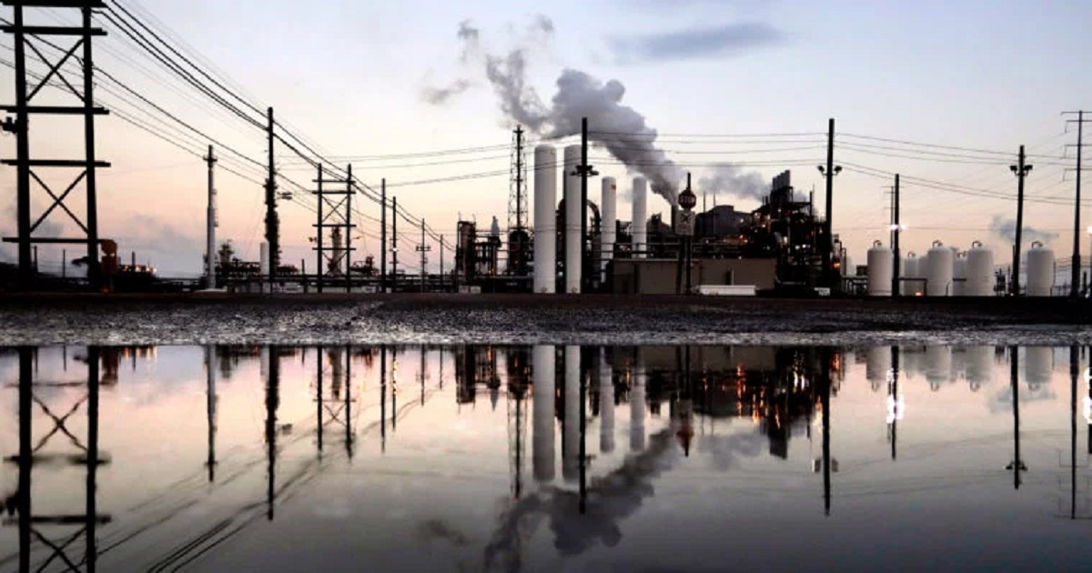 TCEQ REPORT COULD PAVE THE WAY FOR CHEMICAL PLANTS TO EMIT MORE HAZARDOUS AIR POLLUTANTS